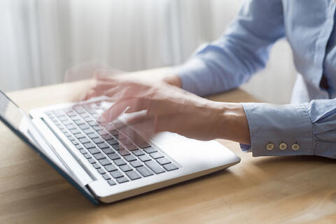 Fast typing - better briefs for writers