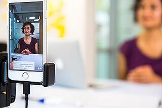 live video in content marketing: Live broadcast using device