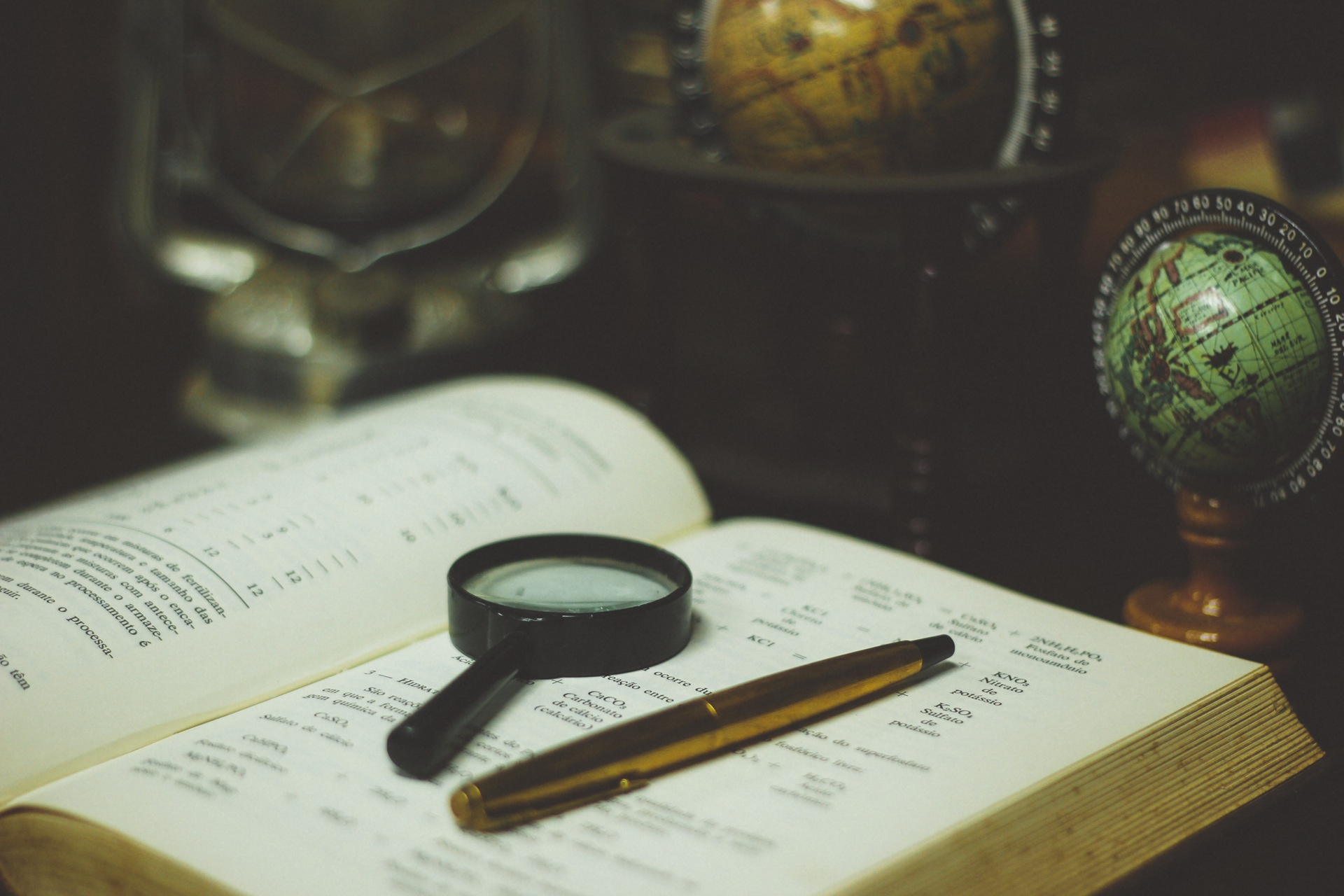 A recipe for disaster: 4 research sources to avoid in your writing