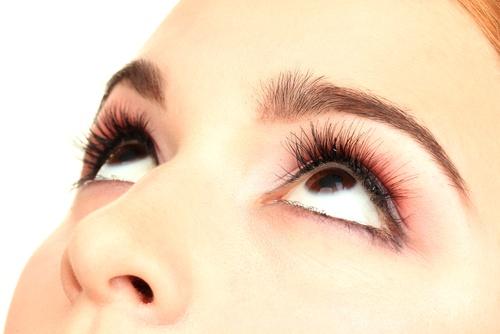 Marketing insights: Women's eyes looking upwards