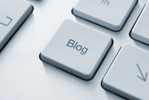 How to write for a blog - the word blog on a keyboard key