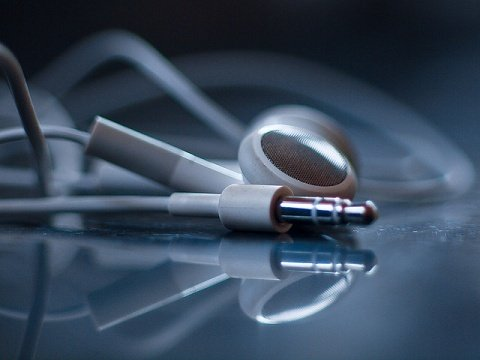 6 excellent podcasts for copywriters and marketers