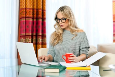 copywriter - a model copywriting